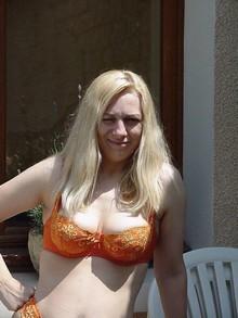 Femme dépravée aimerait sucer un antillais bien membré sur Calvados